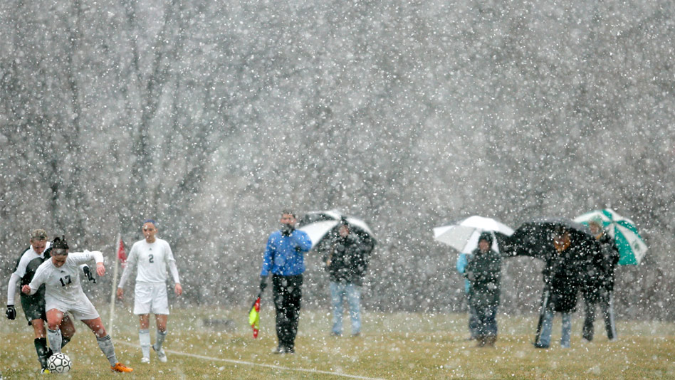 HomeSoccerSnow